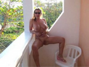 Livie escort croate Romagnat