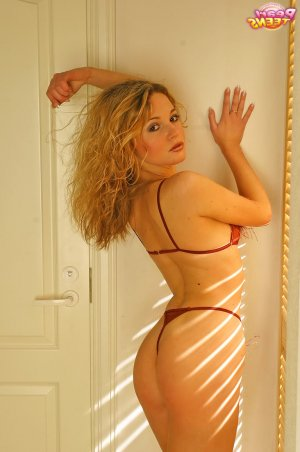 Nurselin rencontre escort asiatique à Veauche, 42